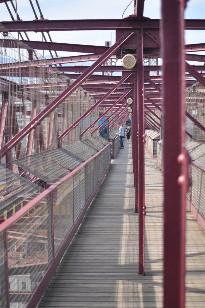 Pasarela del puente colgante Bizkaia