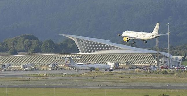 Aeroporto Bilbao : Transporte en el país vasco