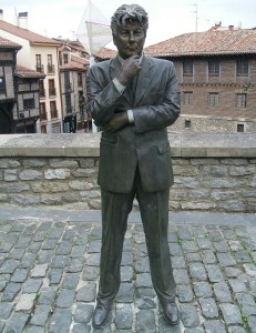 Ken Follett, Vitoria