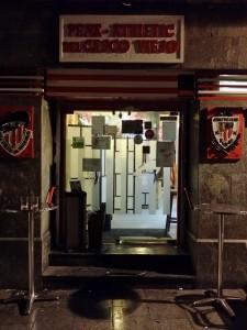Entrada del restaurante peña Athletic de Bilbao