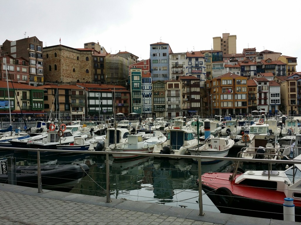 Torre de Ercilla vista desde el puerto de Bermeo