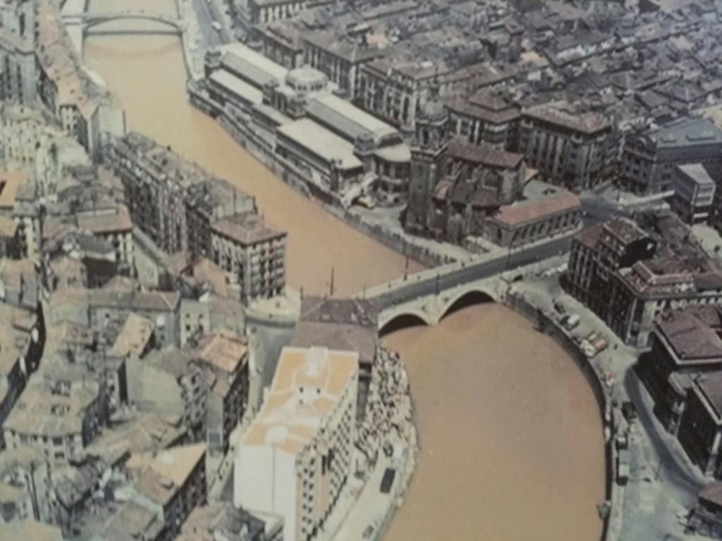Foto aerea ría de Bilbao, Museo Marítimo Ría de Bilbao
