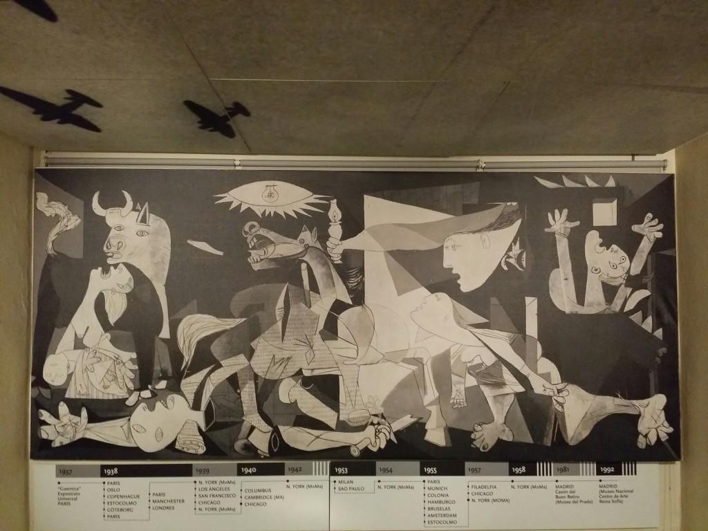 Replica del Gernica de Pablo Picasso en el Museo de la Paz de Gernika