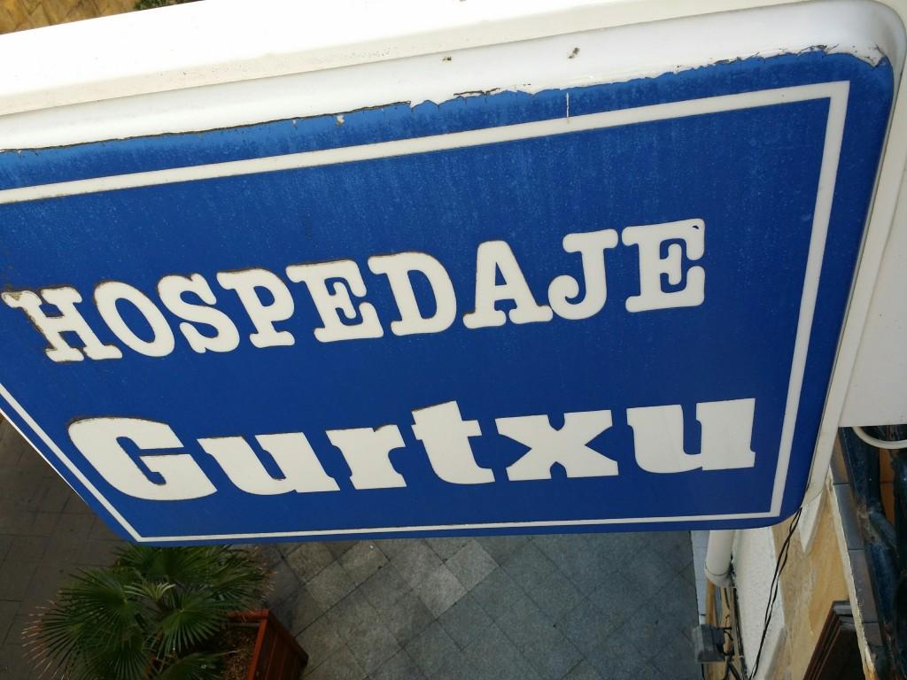 Cartel del Hospedaje Gurtxu
