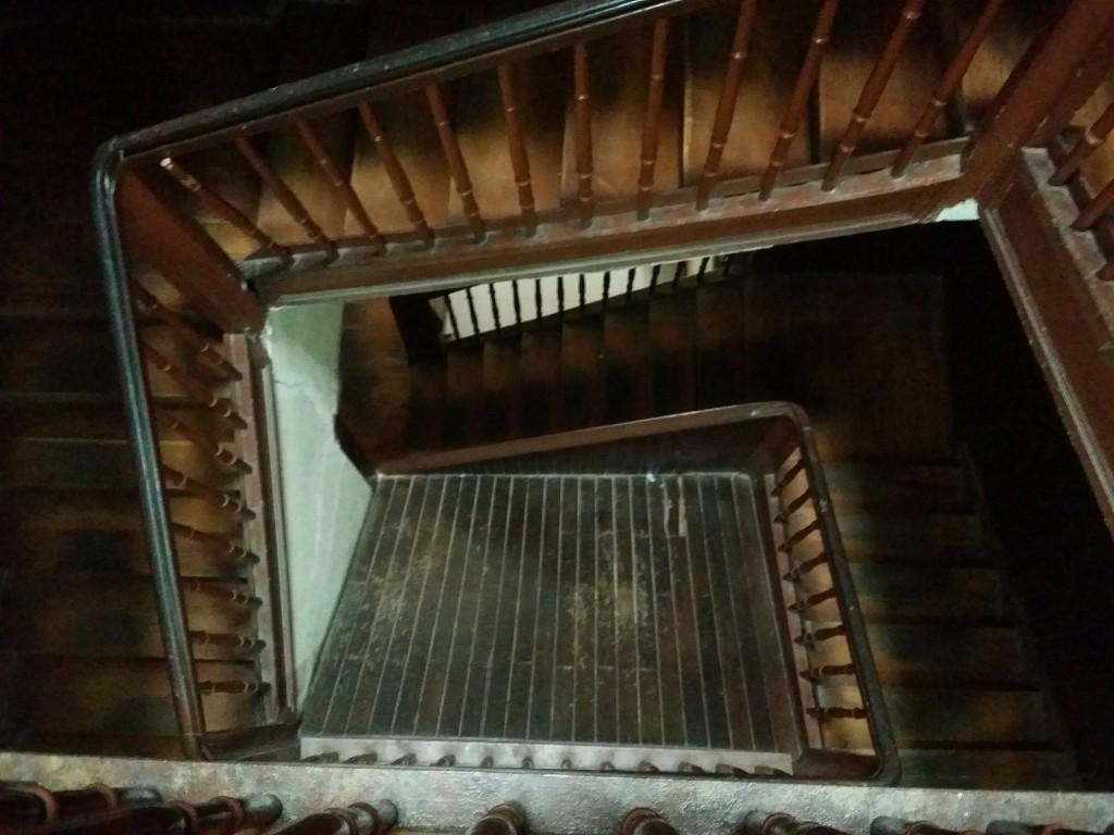 Escaleras del Hospedaje Gurtxu