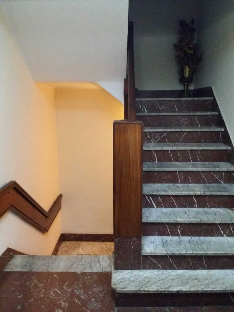 Escaleras del Hotel Gurutze-Berri
