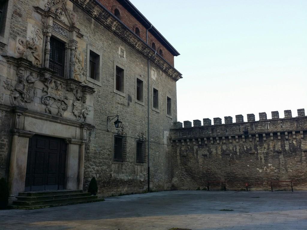 Fachada Palacio Escoriaza Esquivel