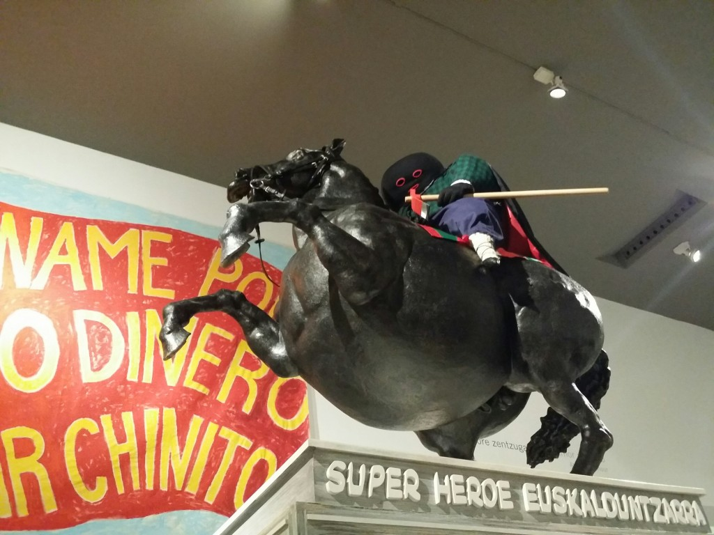 Super Heroe Euskalduntzarra, Artium