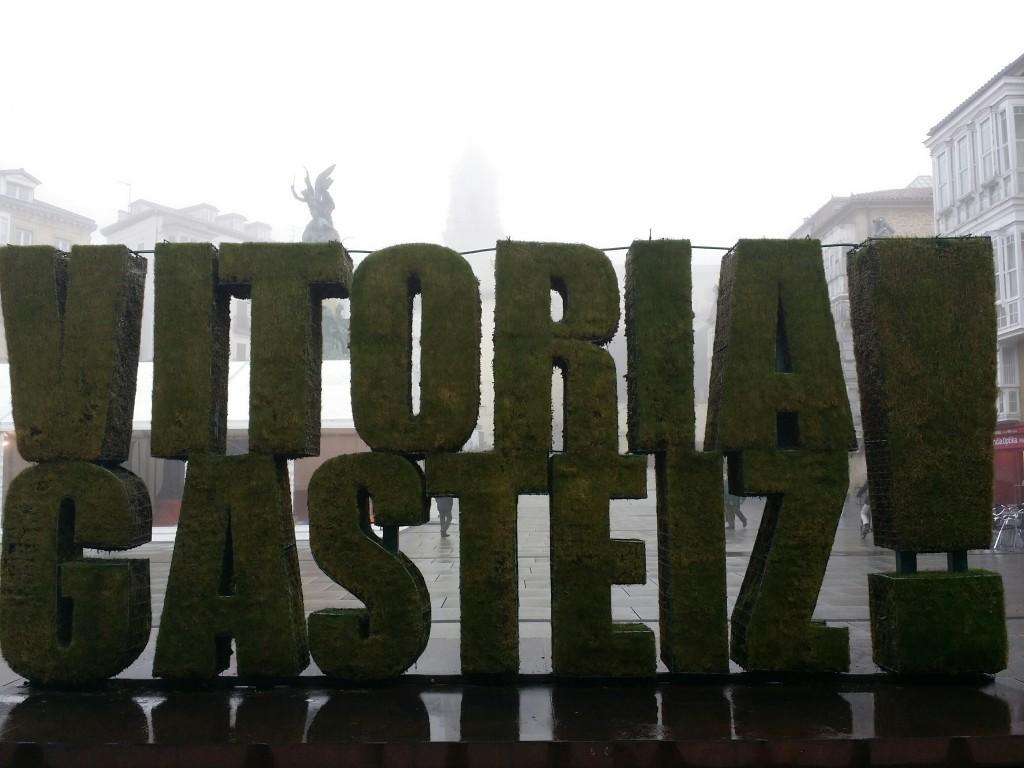 Vitoria-Gasteiz entre la niebla