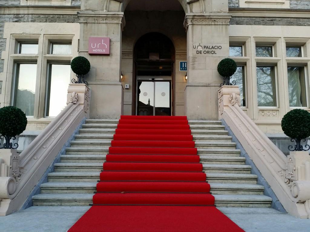 Entrada Palacio de Oriol