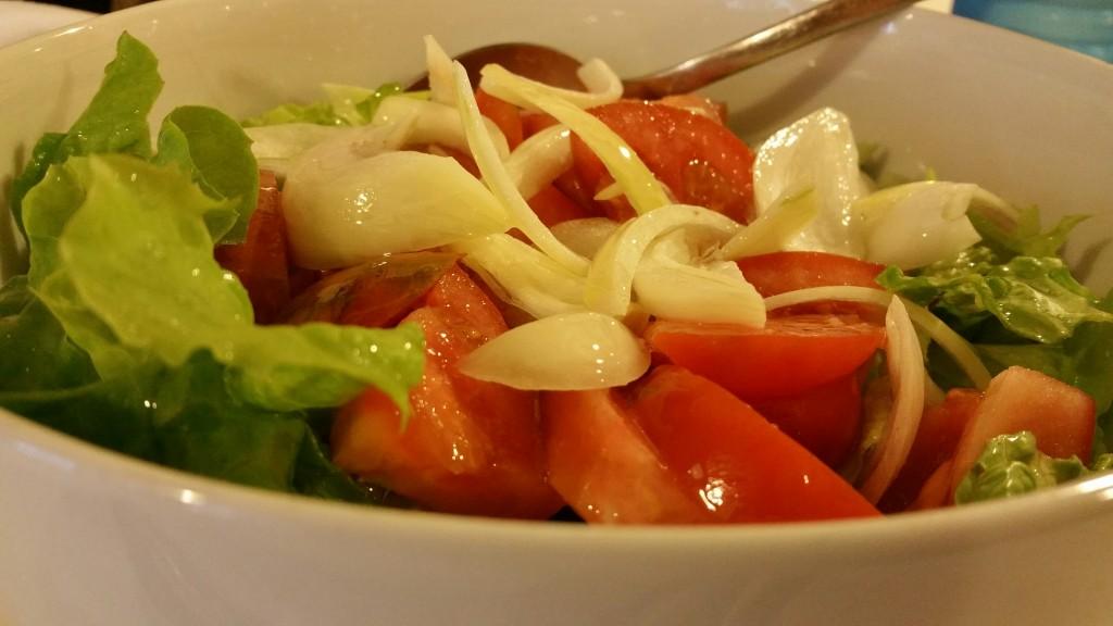 Ensalada restaurante Puerto Zabala