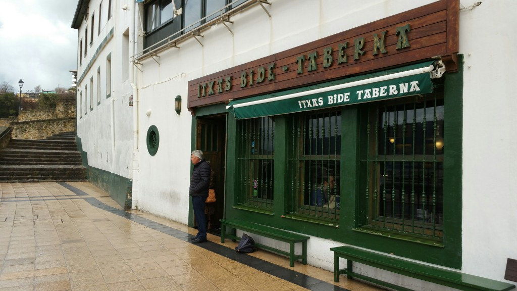 Exterior bar Itxas Bide