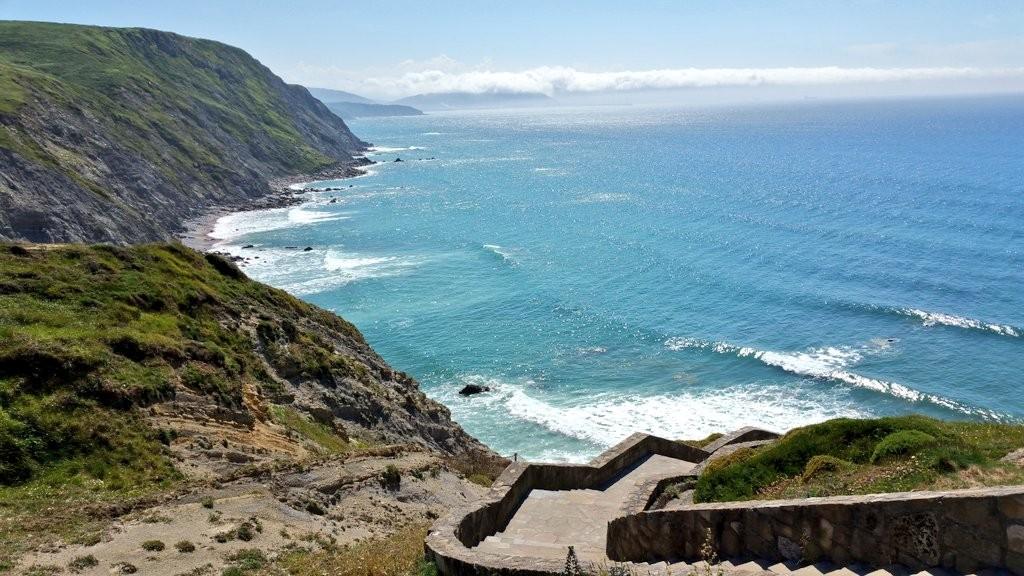 Escaleras playa de Barrika