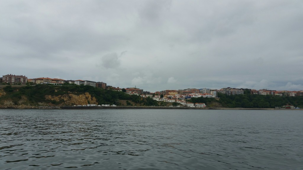 Puerto viejo de Algorta desde el mar