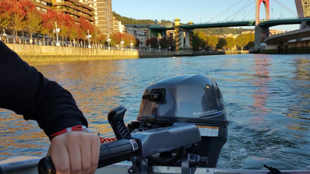 manejo-barco-de-river-cheer-en-la-ria-de-bilbao