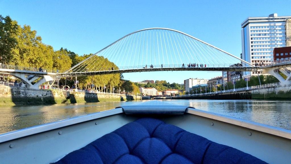 paseo-en-barco-por-la-ria-rivercheer
