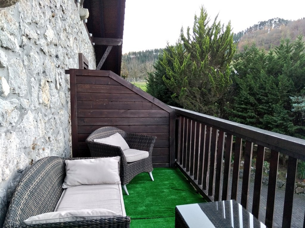 terraza-habitacion-hotel-antsotegi