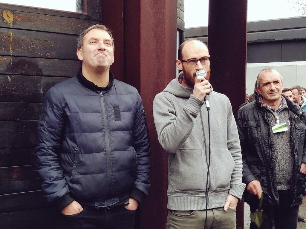 Bertsolariz en la apertura del txotx, Jon Maia y Amets Arzallus