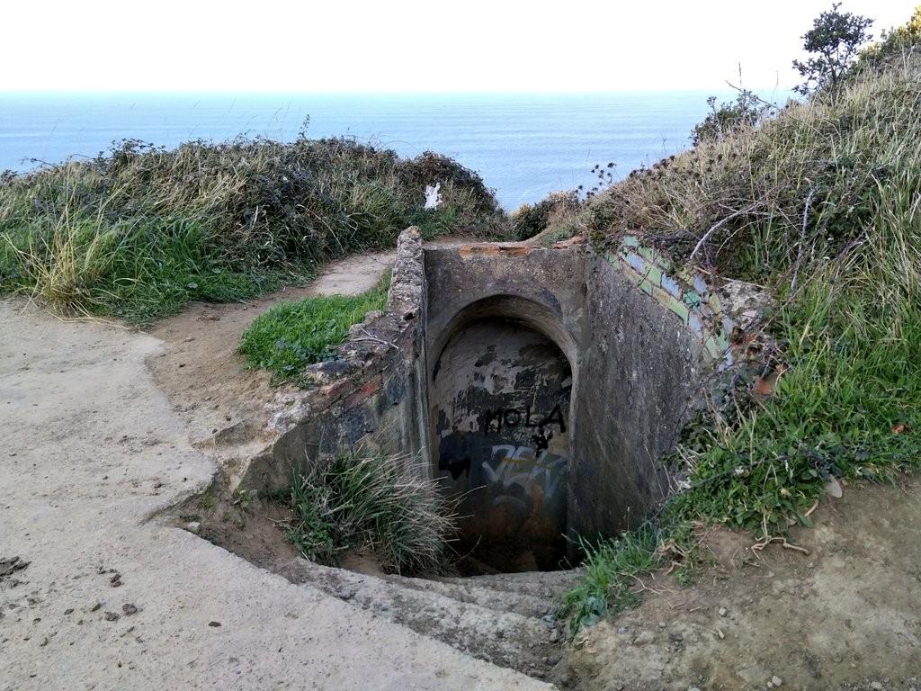 entrada-tuneles-faro-de-gorliz