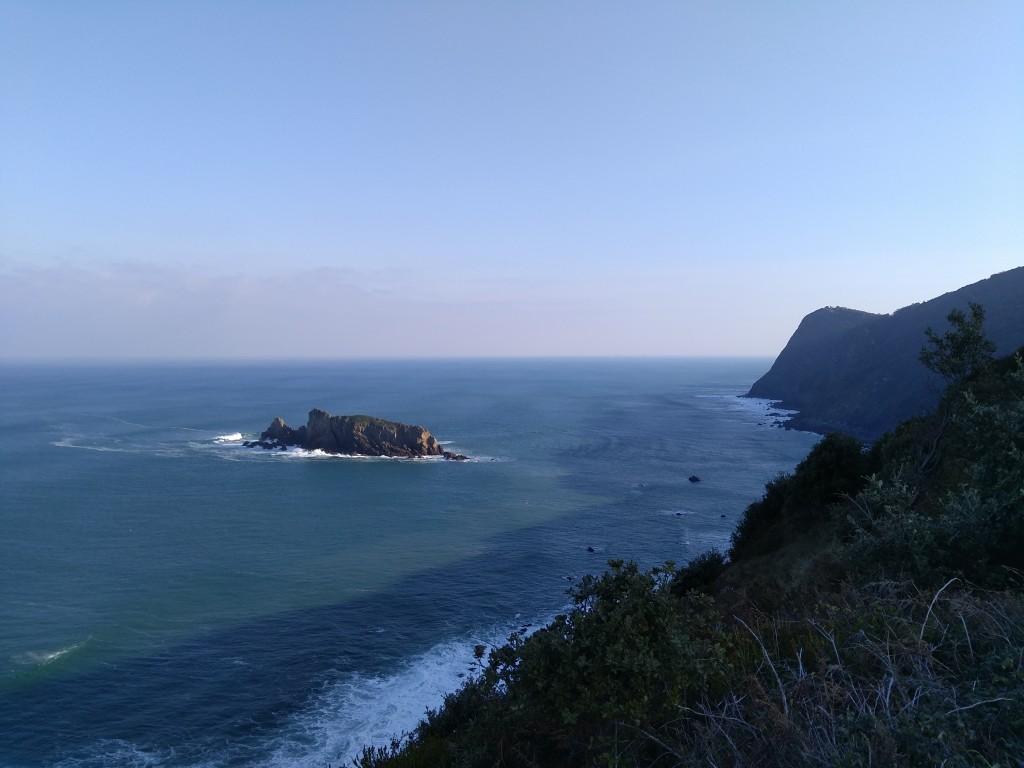 isla-billano-junto-a-los-acantilados-de-gorliz