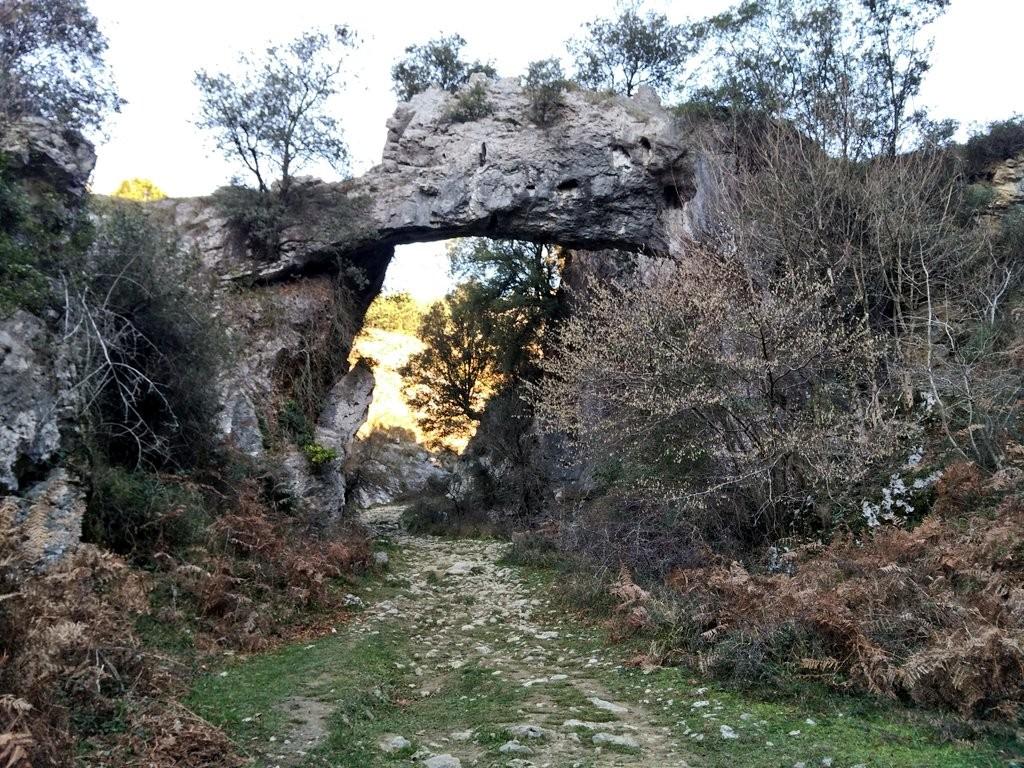 jentilzubi-cuevas-de-baltzola