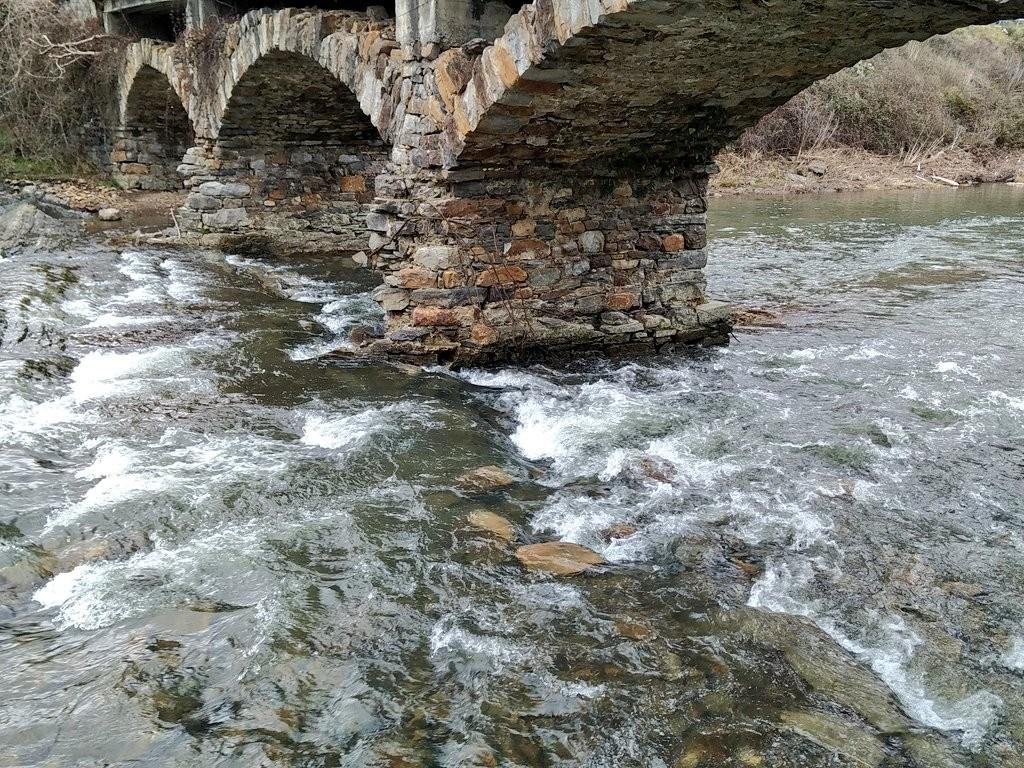 Base del puente Vía verde del Parque Lineal del Nervión