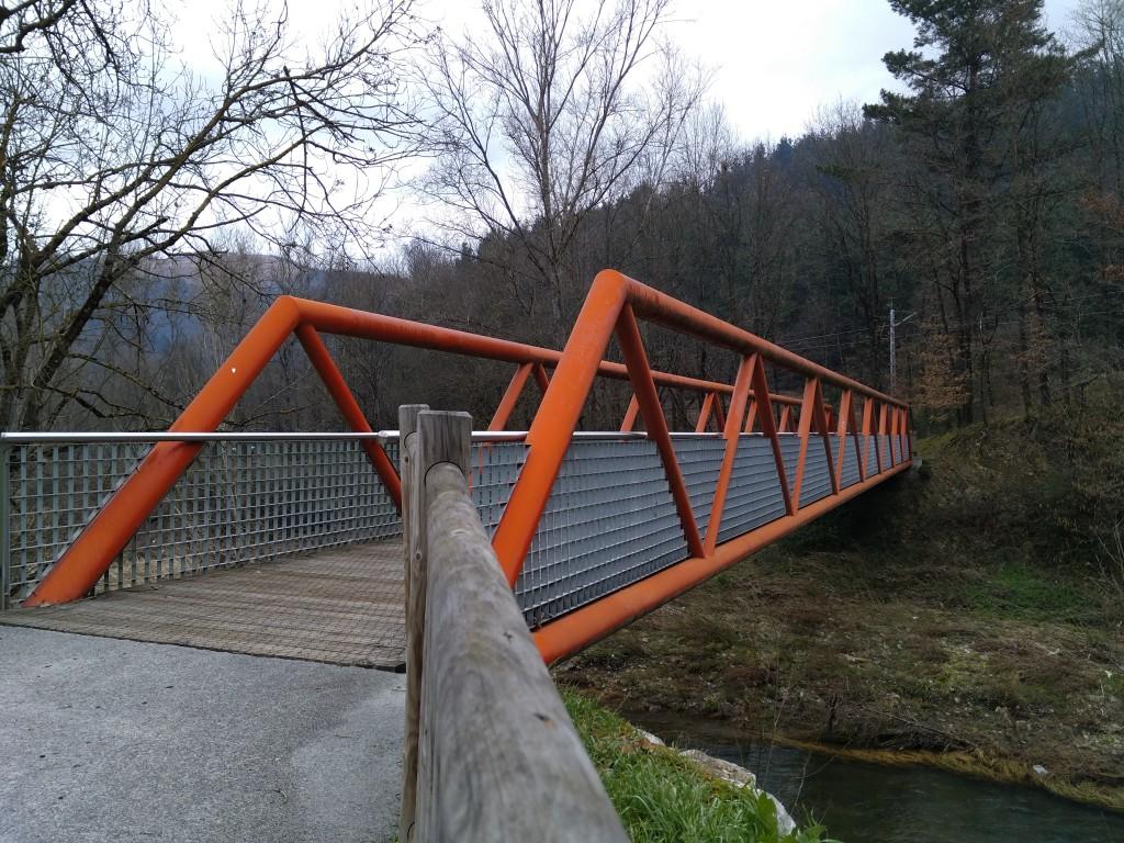 Pasarela vía verde del Parque Lineal del Nervión