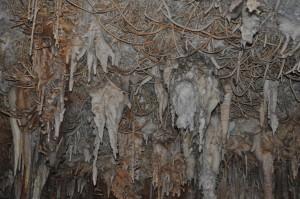 Estalactitas excéntricas cueva Pozalagua