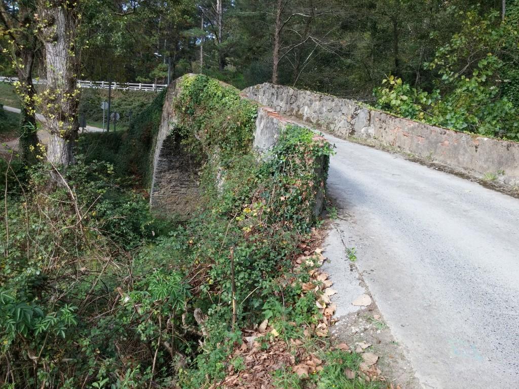 Puente romano, acceso torre Loizaga
