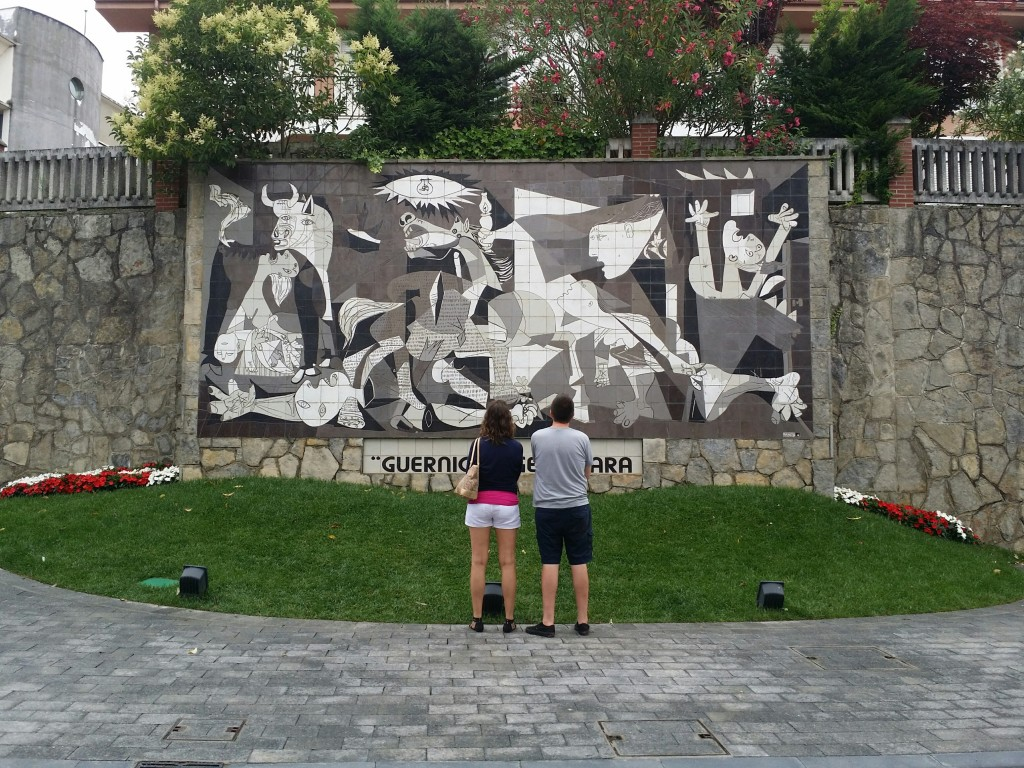 El Gernica de Pablo Picasso a escala natural en Gernika