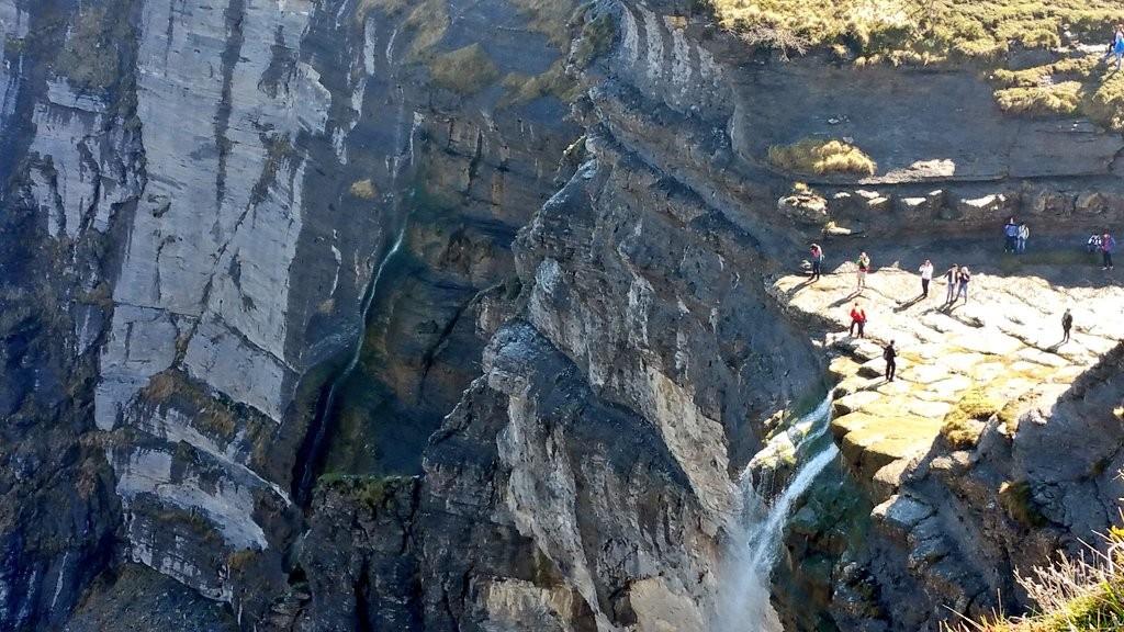 Turistas en el Salto del Nervión