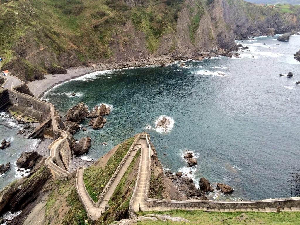Escaleras San Juan de Gaztelugatxe
