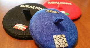 Txapelak souvenirs País Vasco