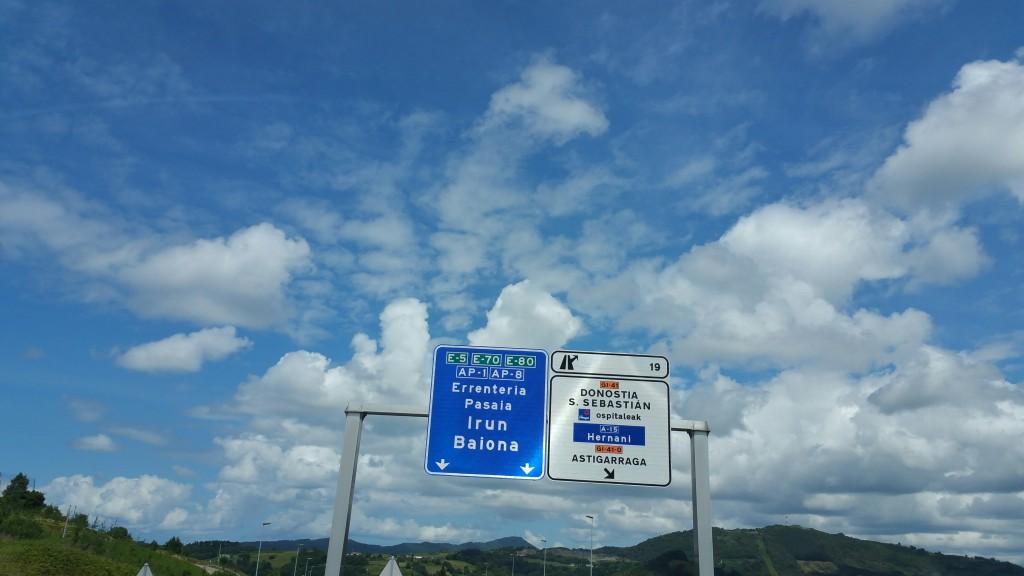 Cartel autopista Pasaia, Astigarraga, Errenteria, Irun, Baiona