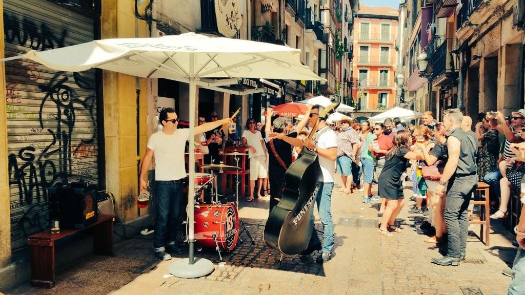 Ambiente casco viejo fiestas de Bilbao