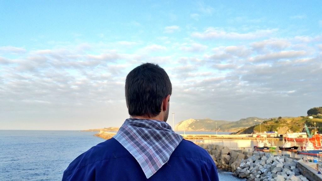 mirando-al-horizonte-bermeo