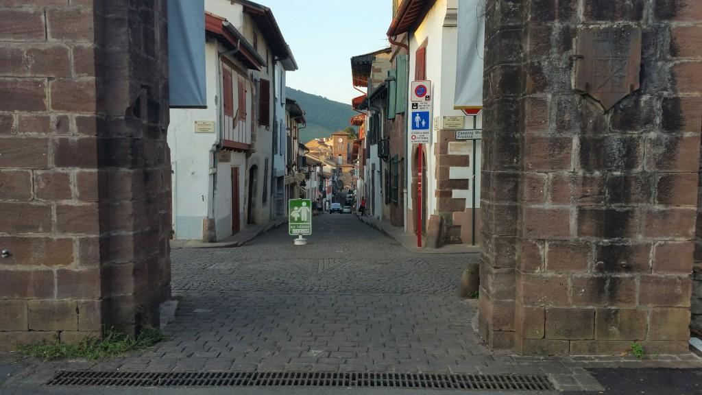 puerta-de-espana-donibane-garazi