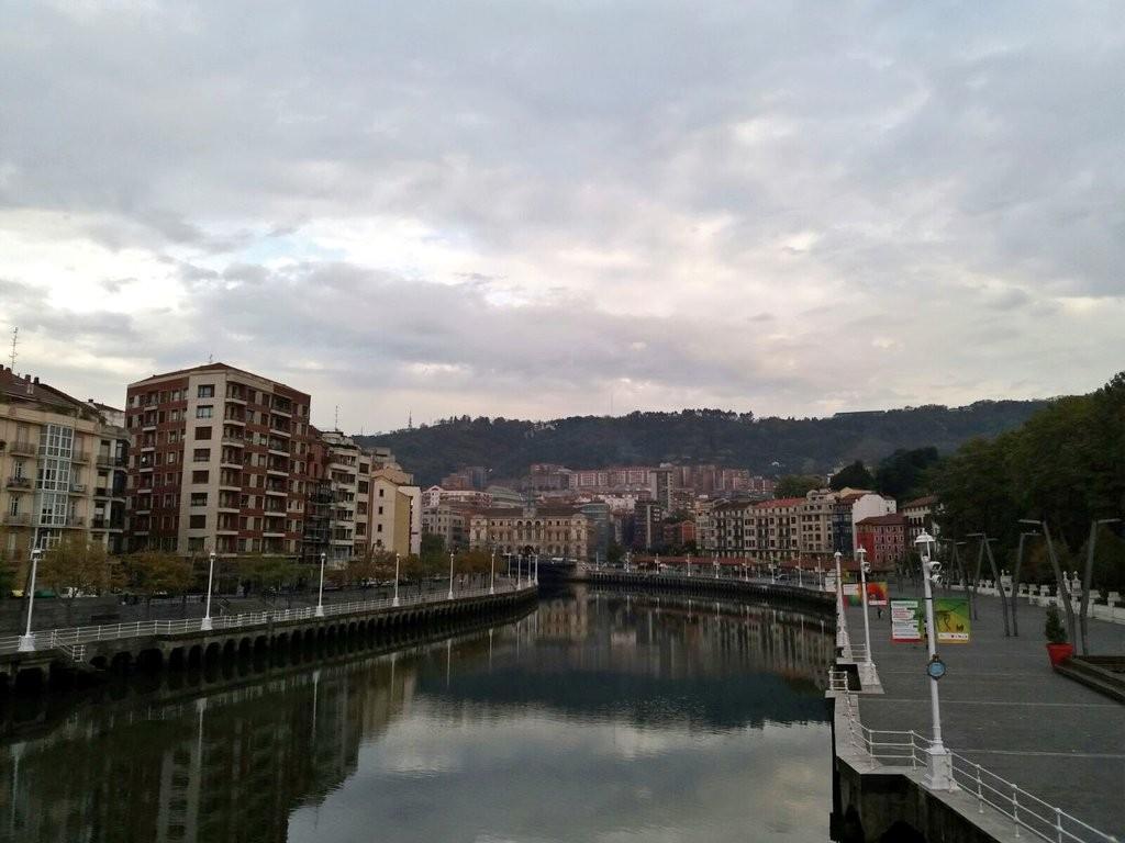 ria-de-bilbao-desde-el-puente-del-arenal