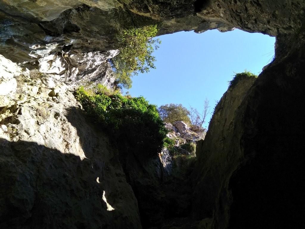cuevas-de-baltzola-desde-el-interior