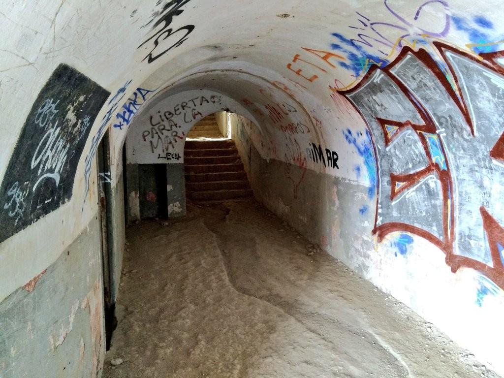 interior-tuneles-faro-de-gorliz