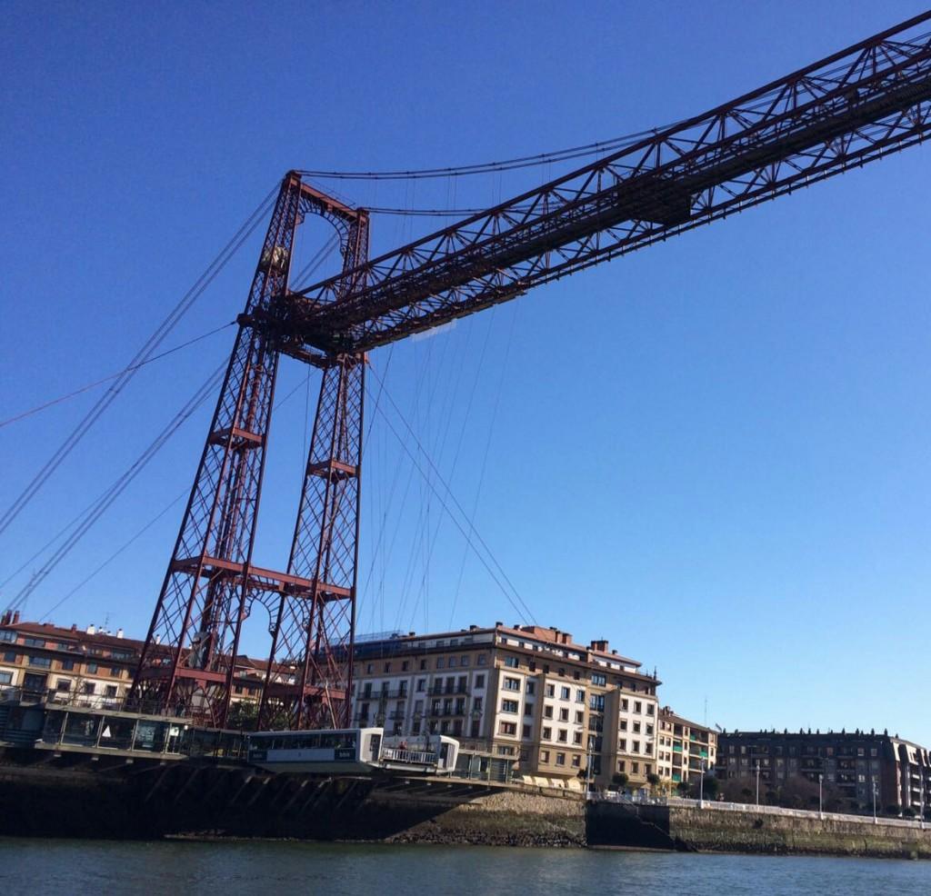 puente-colgane-o-puente-bizkaia-desde-la-ria-de-bilbao