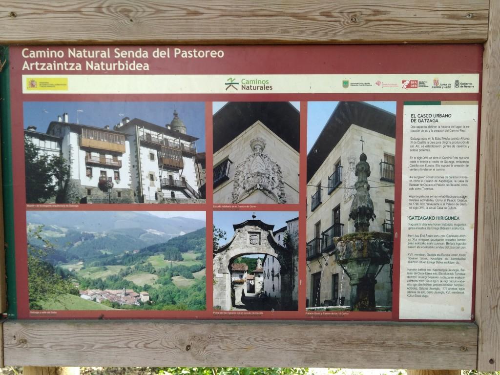 Cartel turismo en Leintz Gatzaga, senda del pastoreo