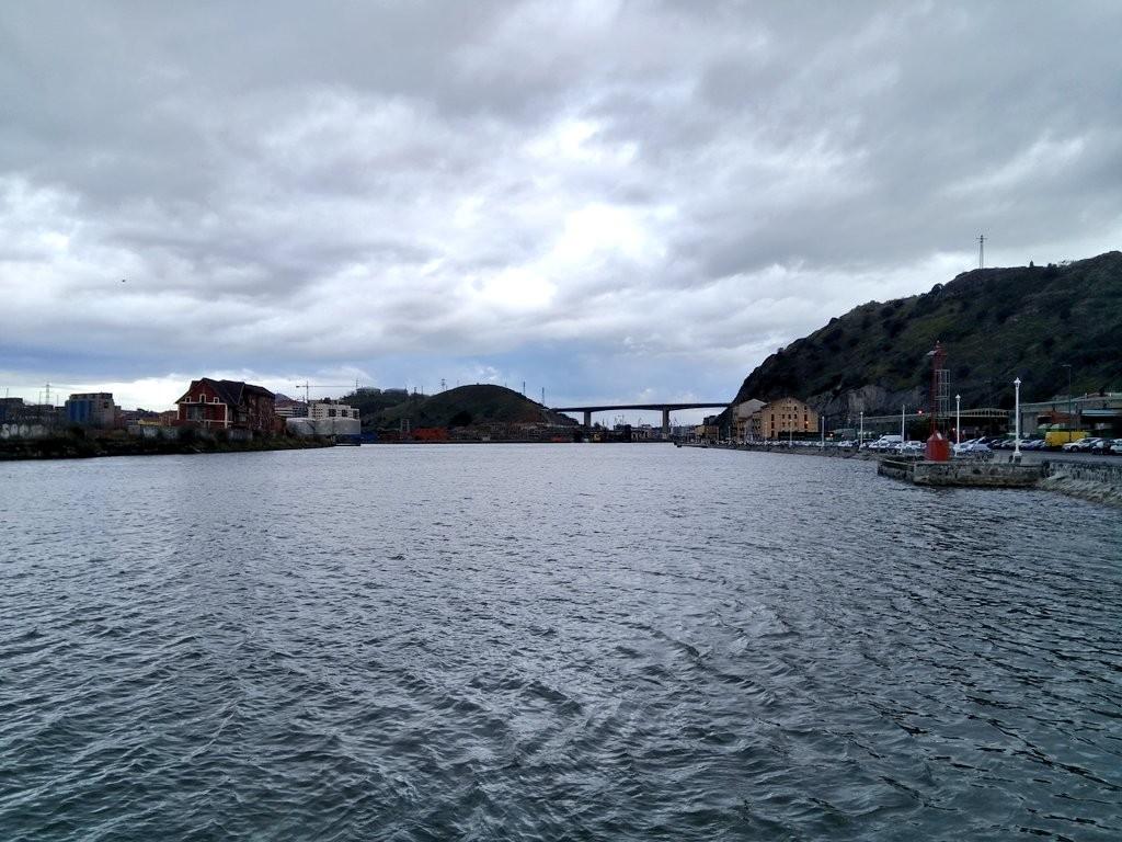 Ría de Bilbao a la altura de rontegi