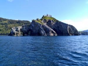 San Juan de Gaztelugatxe desde el mar