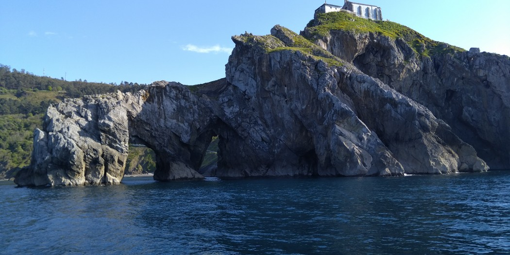 San Juan de Gaztelugatxe desde el mar, Hegaluze