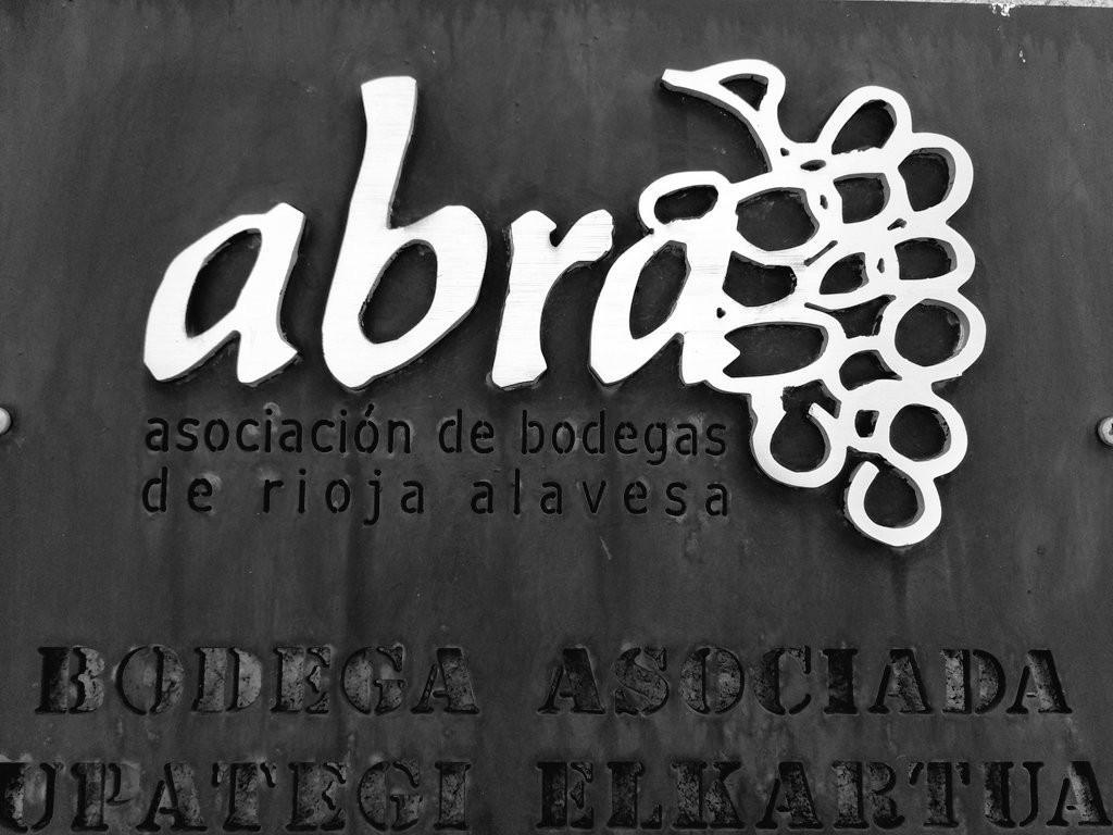 Abra. Asociación de bodegas de Rioja Alavesa