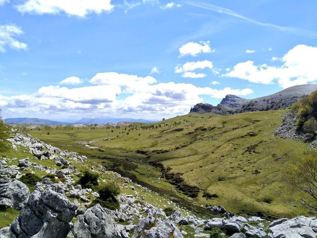 Panorámica campas de Arraba desde Kargaleku, Gorbeia