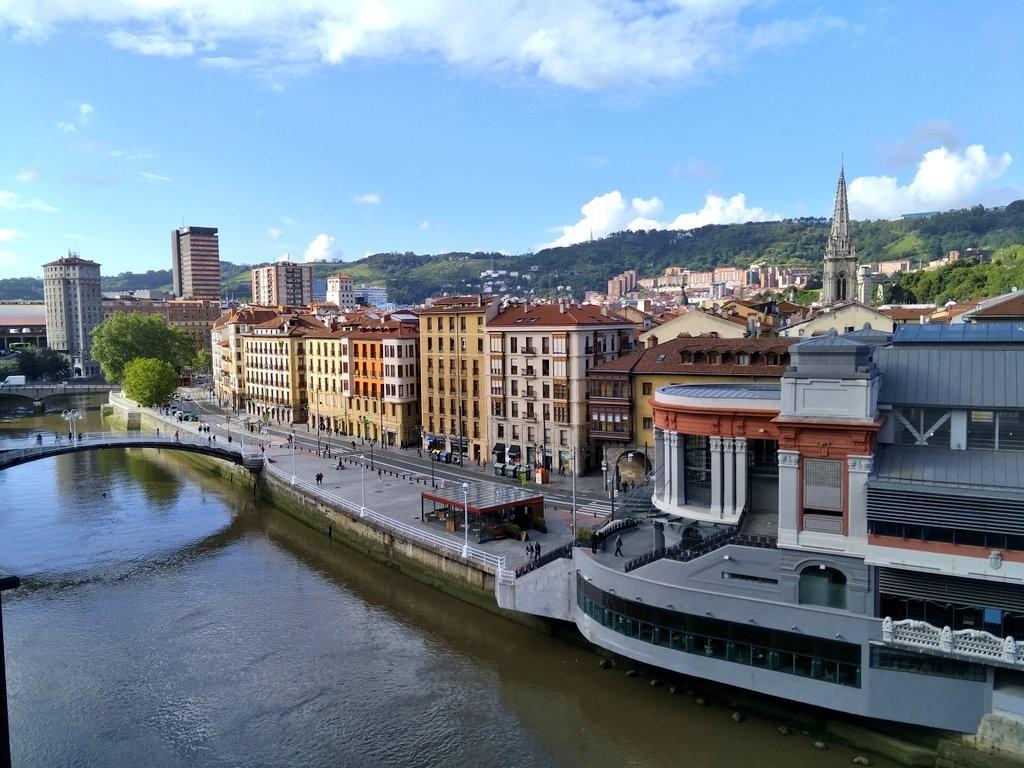 Vistas de la ría de Bilbao desde Marzana