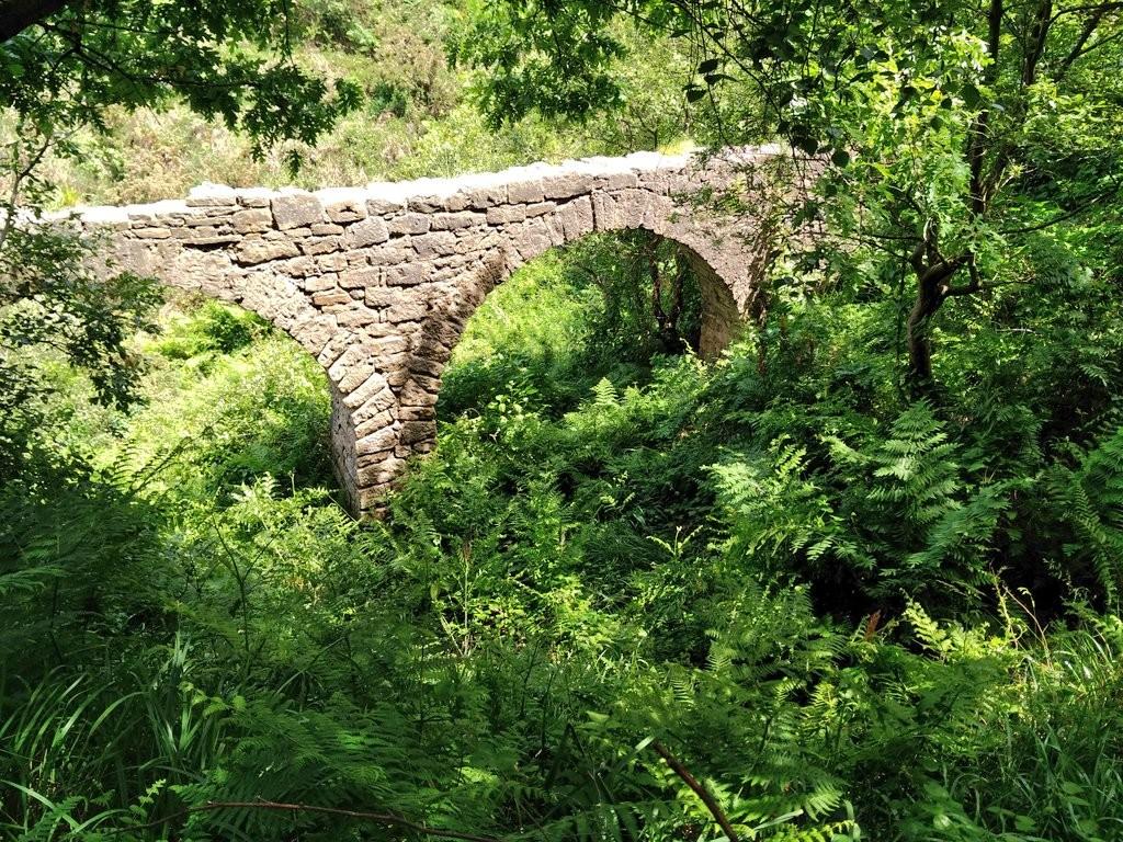 Acueducto ruta Ulia-Pasaia por el faro de la plata