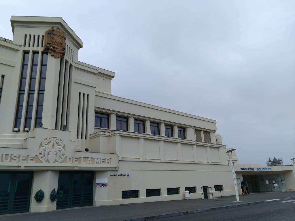 Edifiio y entrada del Aquarium de Biarritz
